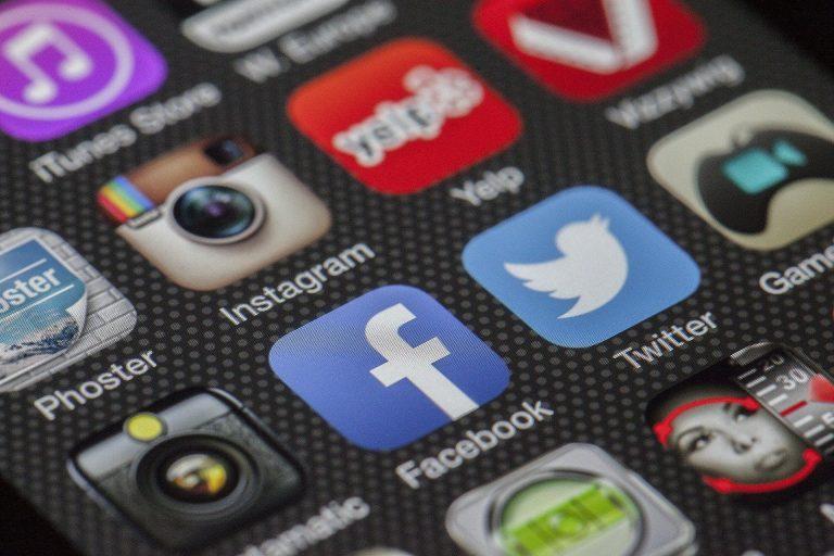 Chiến lược quảng cáo mạng xã hội