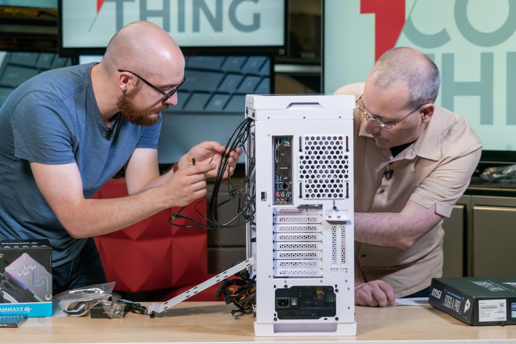 Cách xây dựng một máy tính chơi game tuyệt vời dưới 1.000 đô la